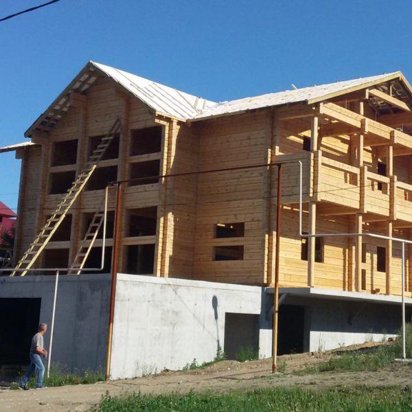 Строительство дома из профилированного бруса и лафета